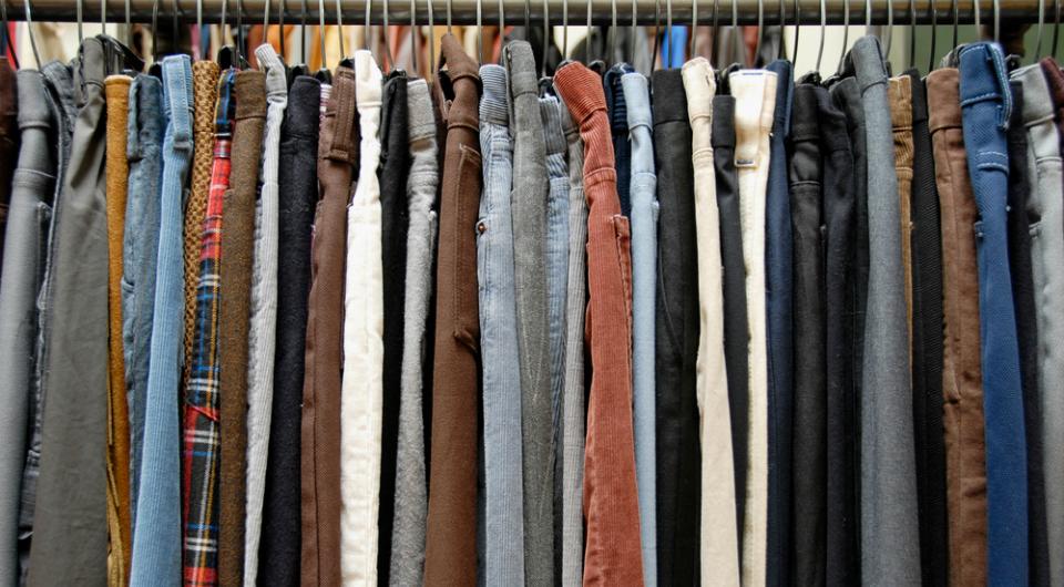 3 Ways to Identify Vintage Levi's Jeans