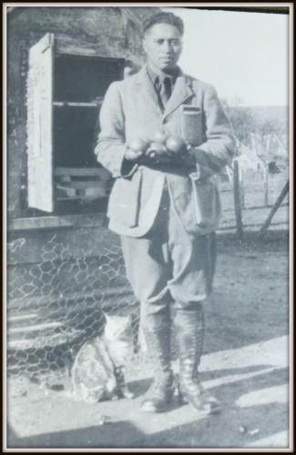 A well-dressed Hono Wihongi (my grandfather) in his khaki jodhpur pants
