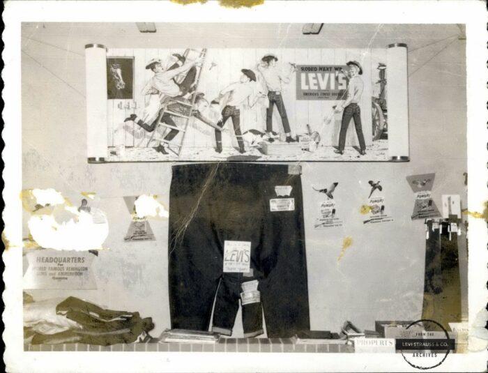 Levi's jumbo jeans